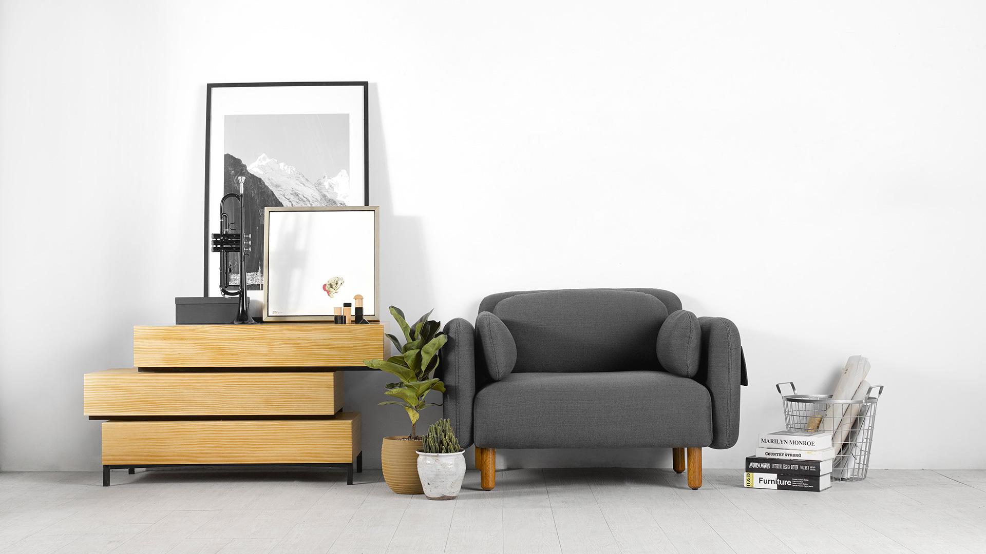 独属东方的精炼外形加上素色原木,轻松适配家中任何色系风格。