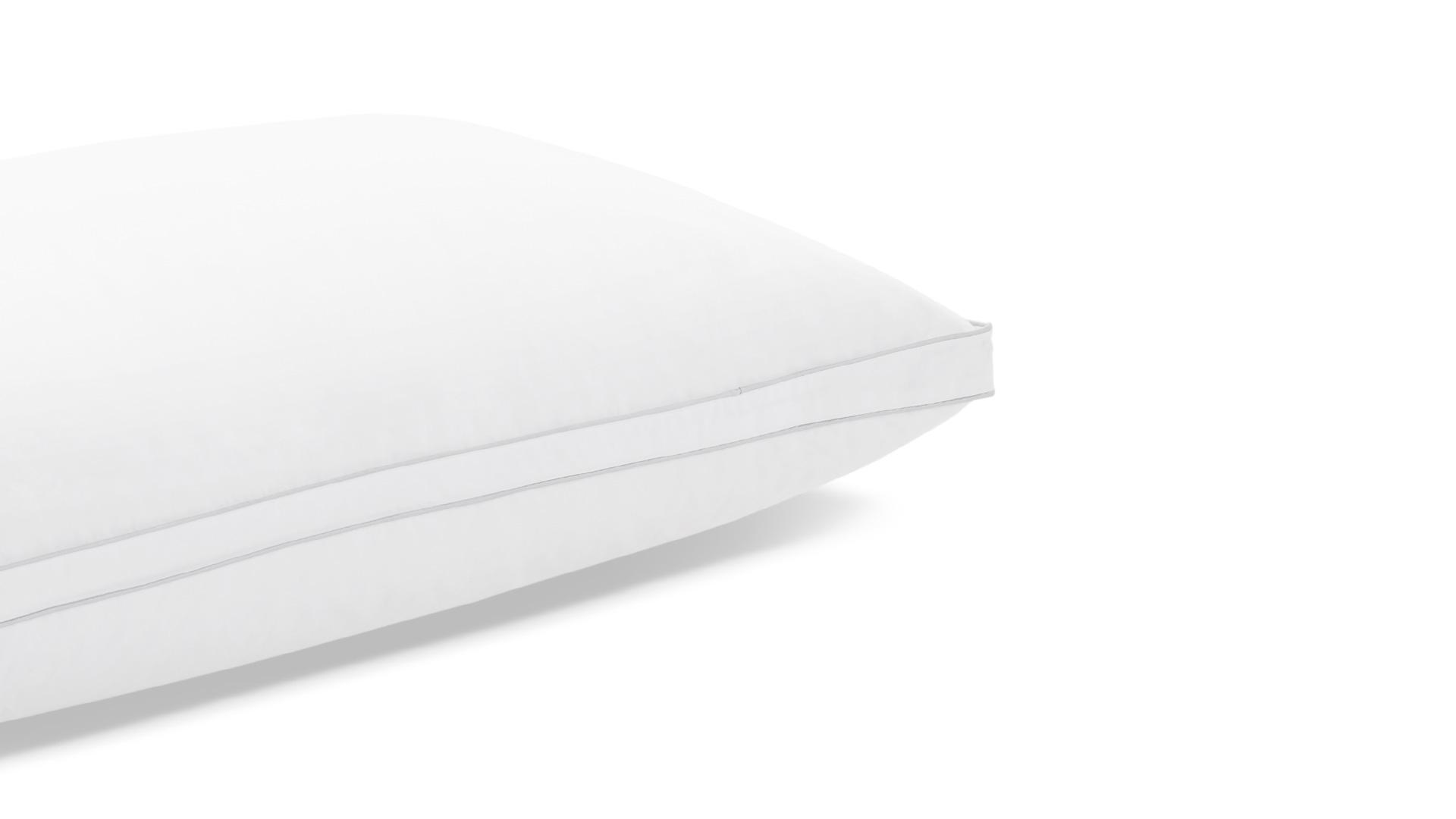 每款枕芯表面都采用内衣品级100%全棉面料,面料纱线以40纱支233根密度为标准,质感更加细腻柔软,具有吸汗排湿、保温、耐热、安全不刺激的特性,从脑袋接触枕头第一刻开始就拥有舒适体验。