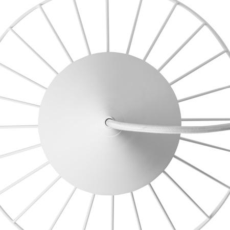 金属线灯框保持一致辐射率,与下围灯圈精准焊接,形成微妙的视觉张力