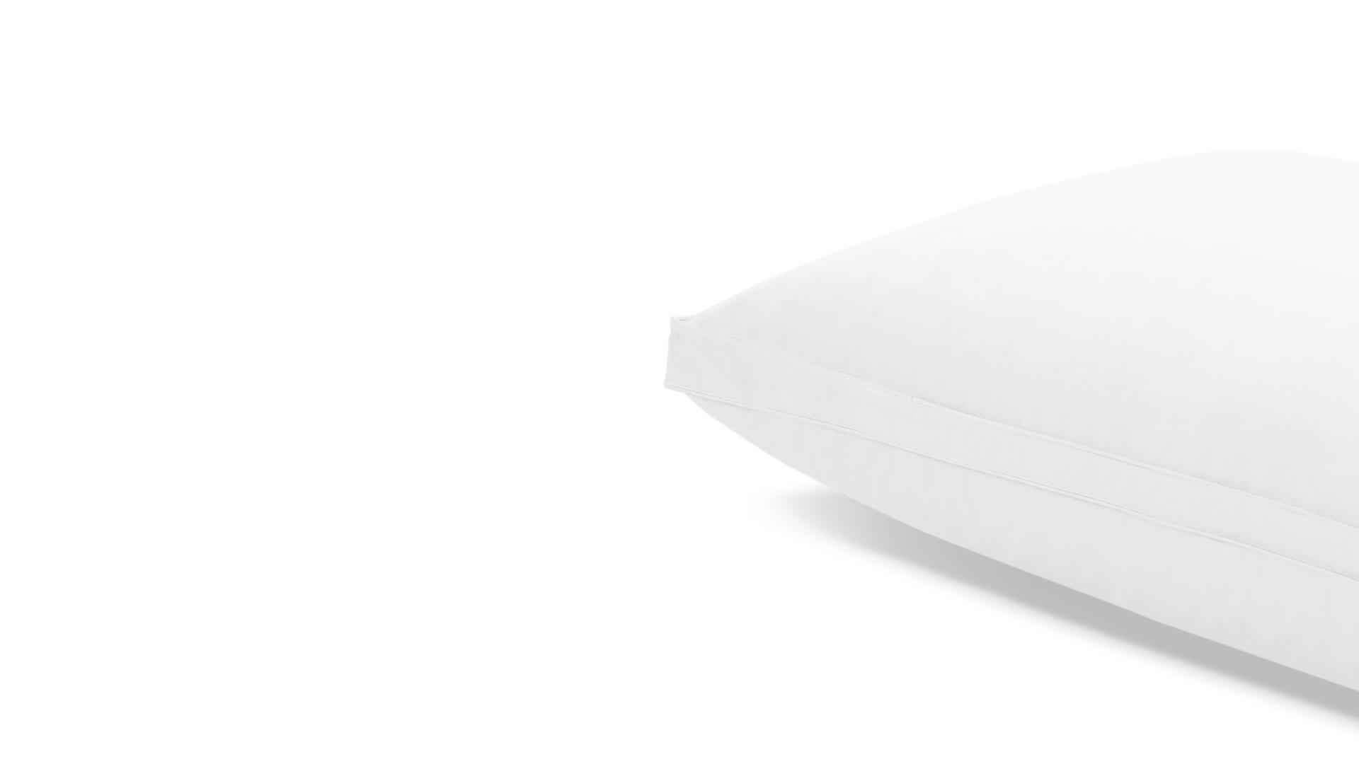 面料表层配备使用白色平纹防羽工艺处理,睡扁轻拍后的快速蓬松回弹,也不妨碍其牢牢锁住全芯填充。?x-oss-process=image/format,jpg/interlace,1