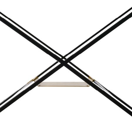 交叉腿焊接连接处的细致处理,精细打磨无缝无焊点