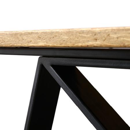 金属弯折处保证角度一致,圆润打磨,桌面下的优美弧度