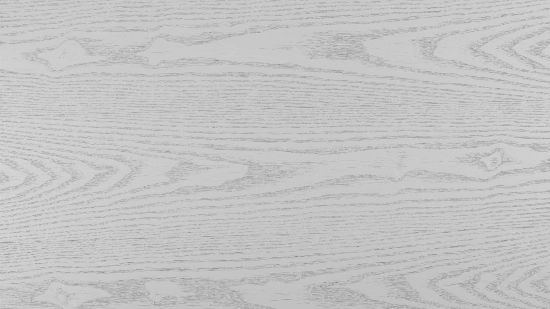 水曲柳弦切板面,配以半开放全哑光漆面效果,拥有不可复制的天然肌理,年轮线呈现不规则的大山纹,纹路虚实相间,融会现代色彩与自然材质,流露内敛质朴之美,触摸到光阴的痕迹。