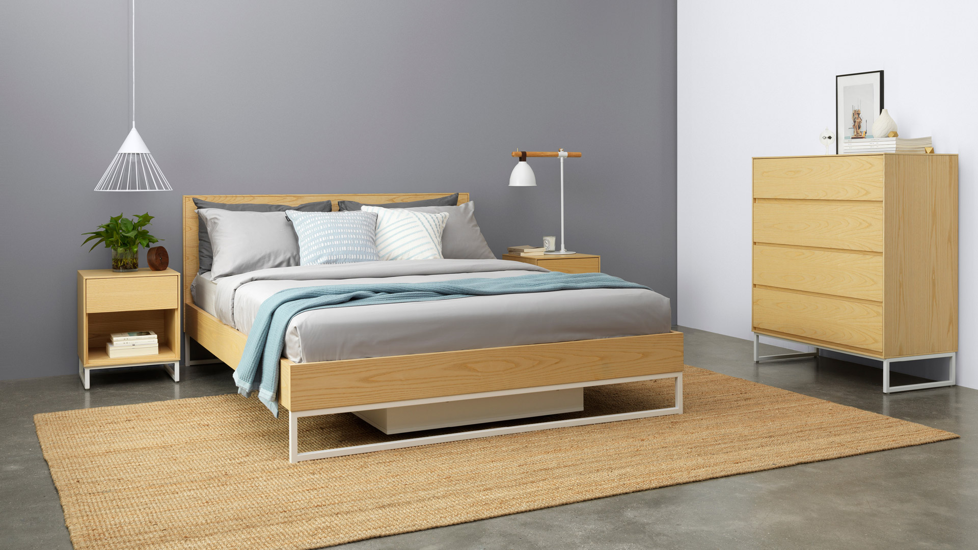 用画板套系为卧室铺开大面积木色,温暖的原木触感,简单的线条勾画,睡眠氛围也得自然韵律,更快沉入安睡状态。