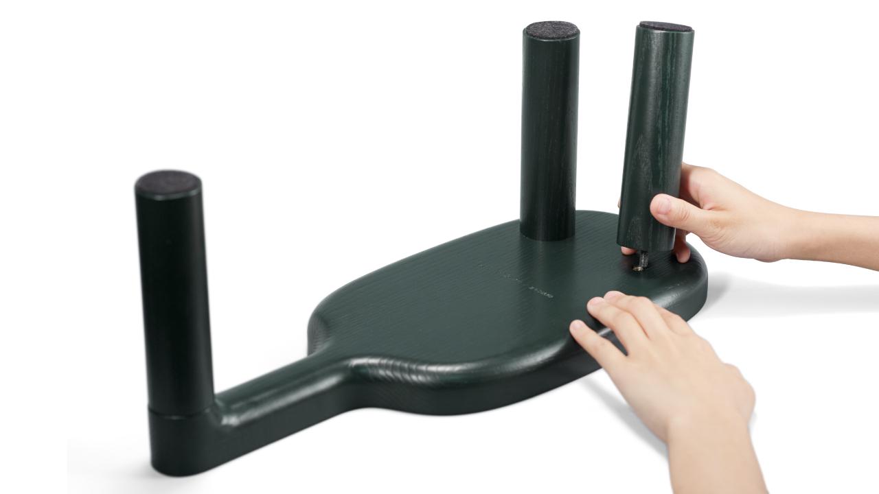 托盘主体与三个腿部均做螺纹连接,螺纹空位精准定位,盘身牢固不摇晃。