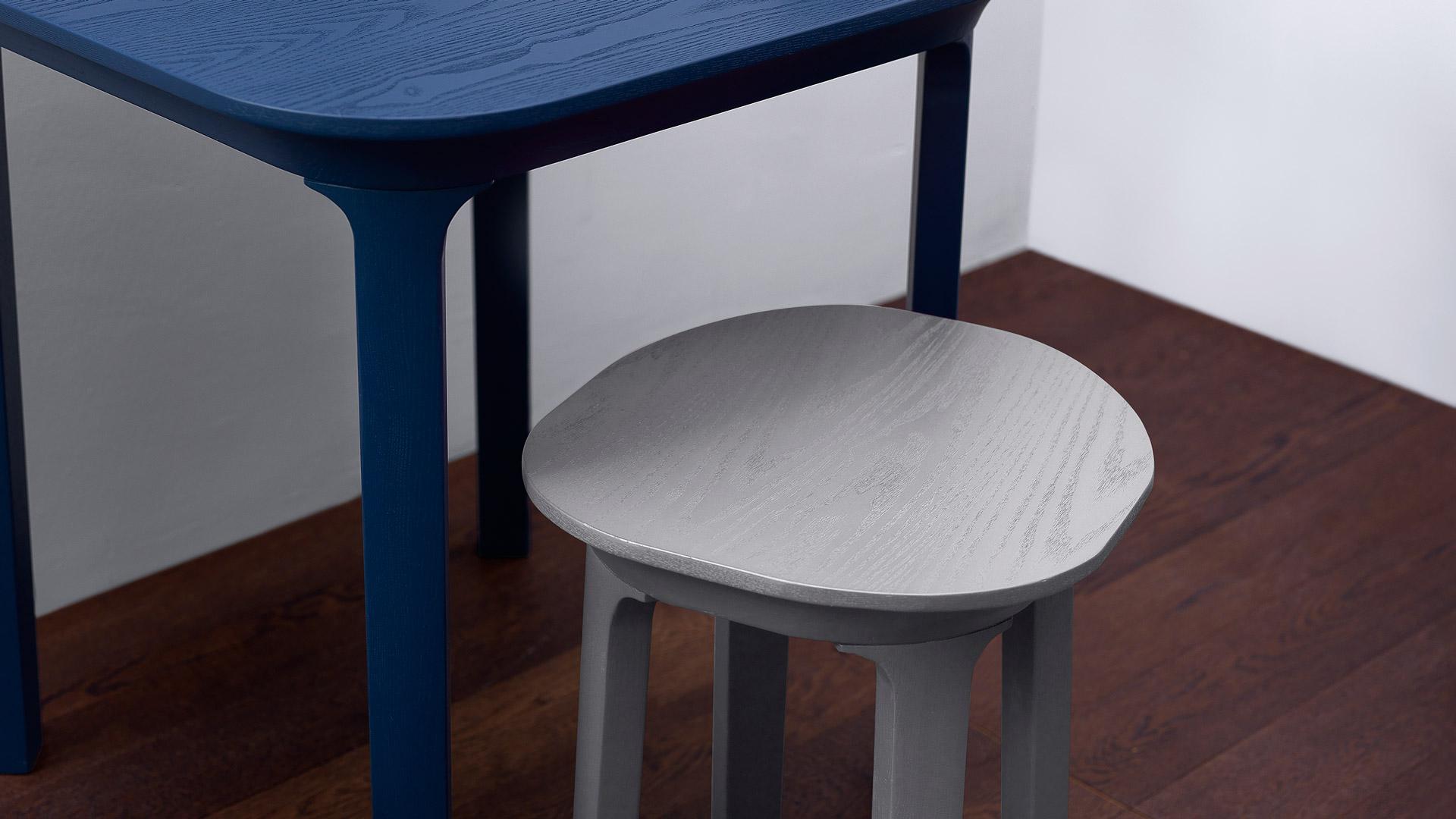 轻质体量,柔和色调,西方技法与东方意象揉合,拓展紧凑空间的使用区域,将围坐的舒适距离再增加几公分。