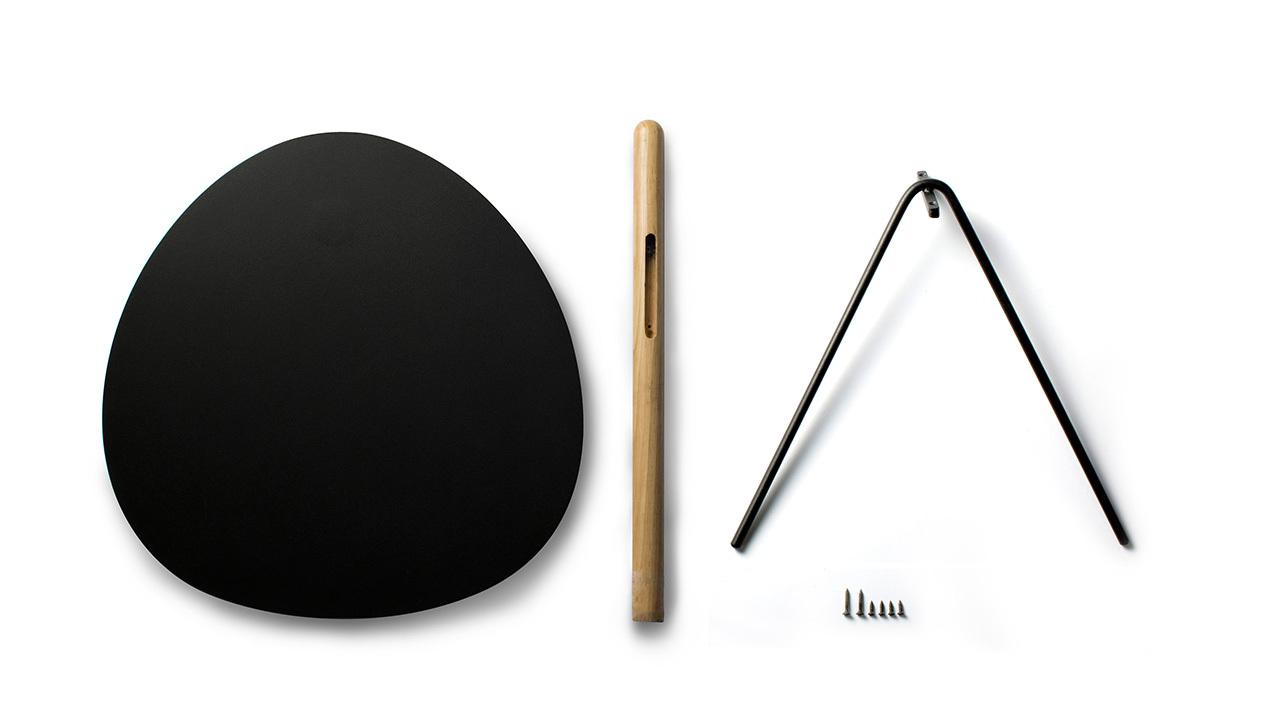 3mm电脑数控激光切割的水滴形钢板桌面,1mm精细处理的桌边圆角,Φ10mm纤细圆钢斜腿,形成空几的完美比例结构。
