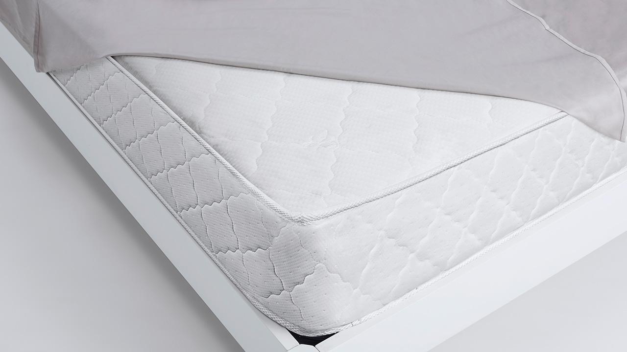 超越市面上一般床垫厚度,以26cm带来饱满充盈质感,享受加倍舒压、缓释疲劳效果,犹如拥入爱人怀抱的安全舒适感。