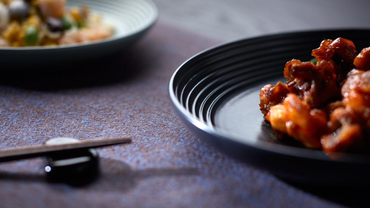 8寸与10寸双重圆盘之选,分别以3.15cm及3.8cm的适宜盘深高度,满足多样中餐菜肴的盛装需要。