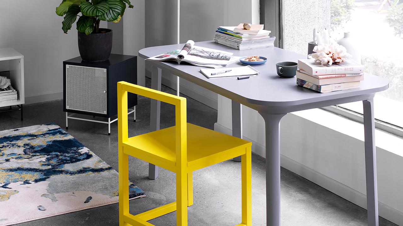 拒绝一切多余设计表达,在绝对平衡之间觅见极简之美,轻松适配多种风格餐桌和餐边家具。