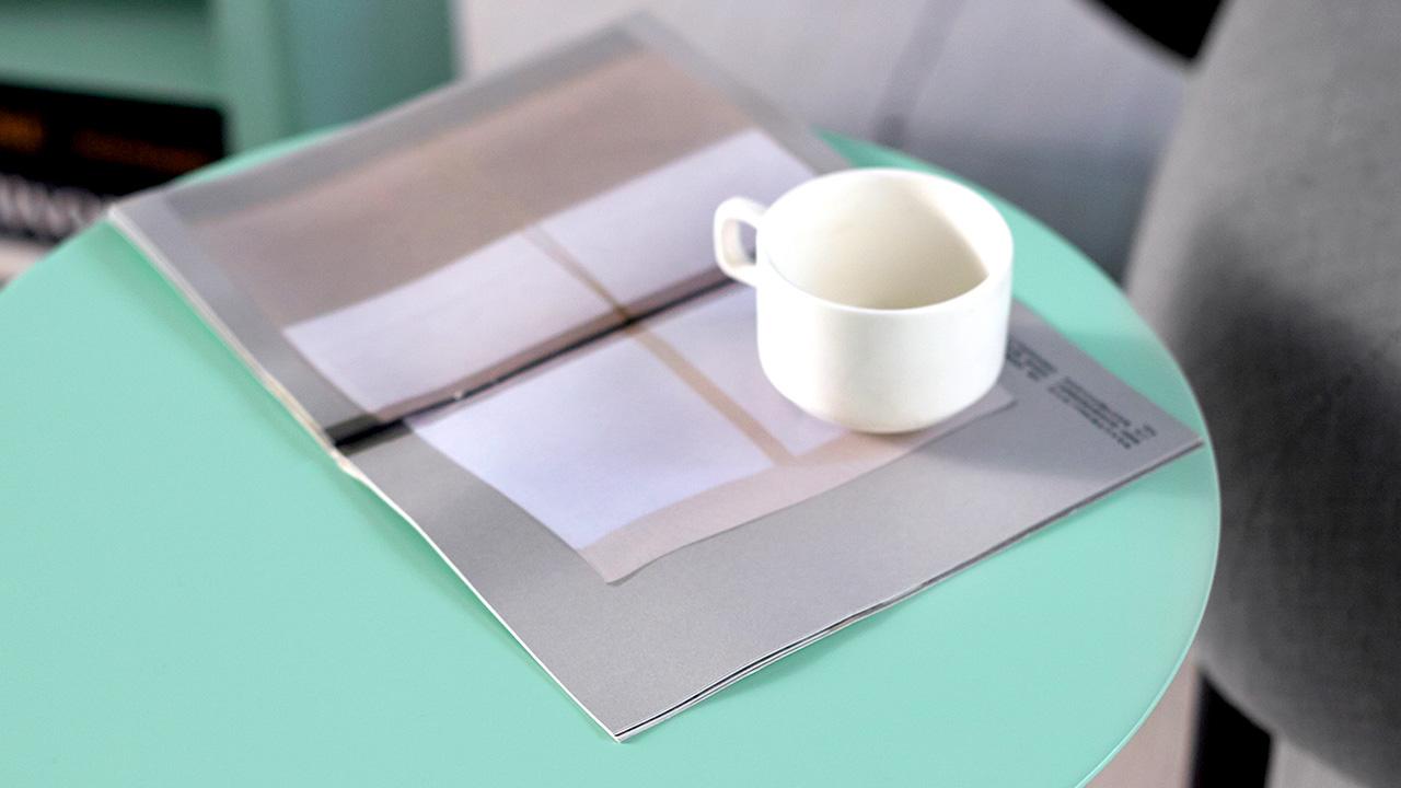 荷绿色的画板小彩几气质最清雅,40cm直径,翻书看杂志滑iPad,甚至放个笔记本看电影都轻松搞定。