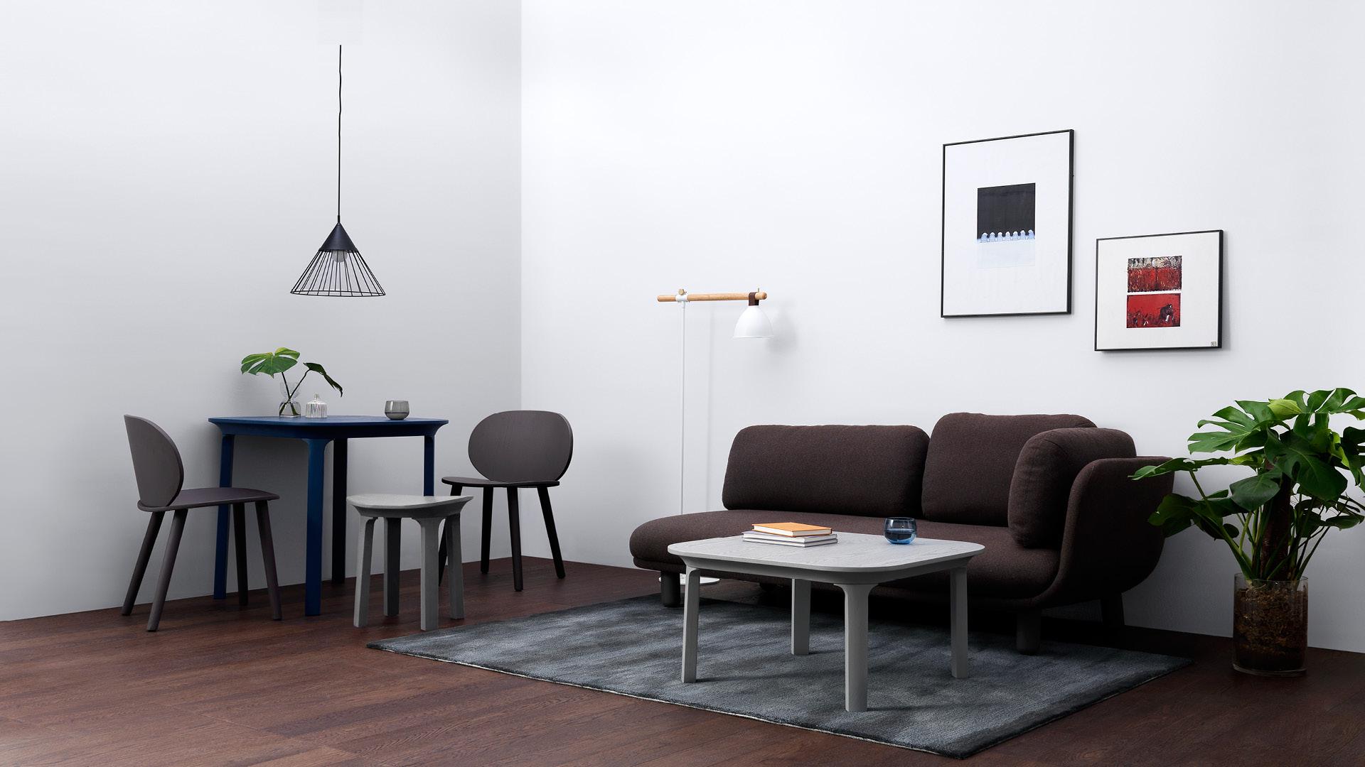 让客厅的中心围合区更有存在感,单独使用茶几地毯,或者与单人位地毯穿插使用,带来更舒适的起居氛围。?x-oss-process=image/format,jpg/interlace,1