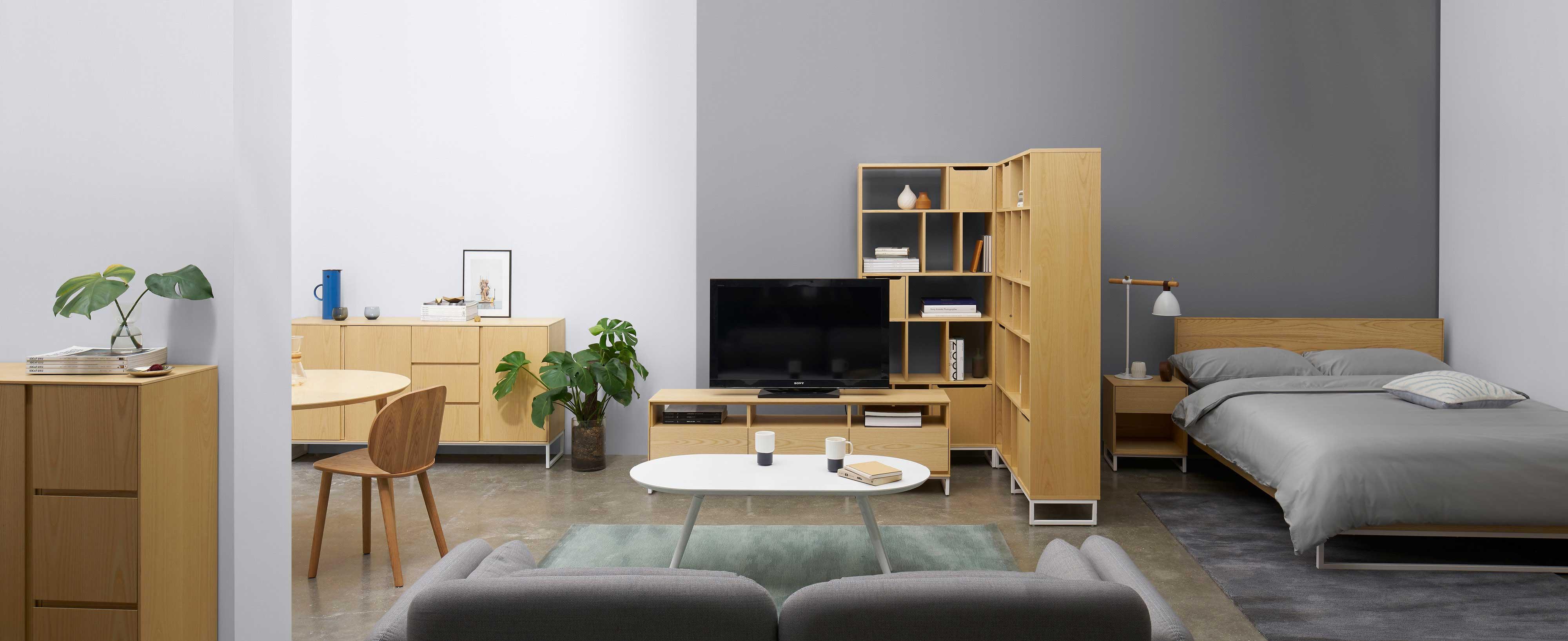 """造作套系背景家具""""画板系列""""已全系上线,简约收敛的线条,360°温暖的木质触感,丰满考究的细节,勾勒全家的基础构线。"""