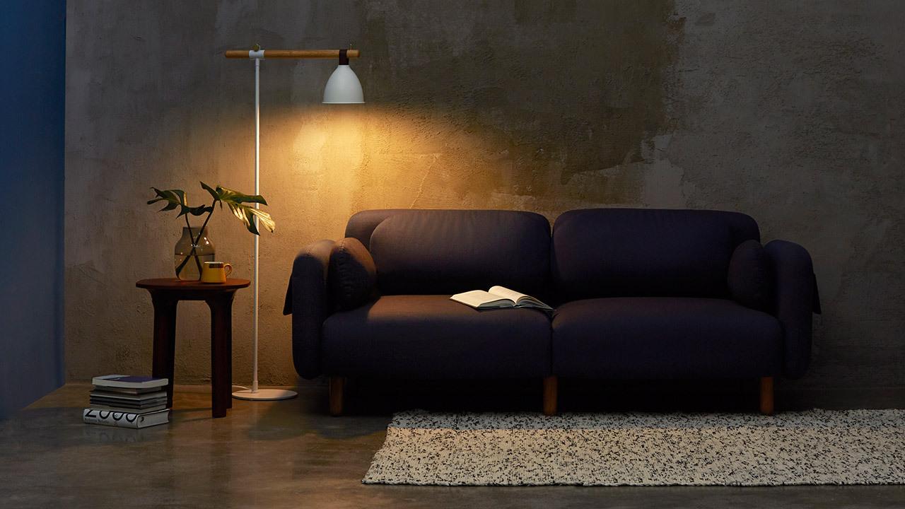 点亮鹿铃的瞬间,温度随之延展。在沙发边,在床头,在工作间……展开书本,肆意进入你的精神世界吧。