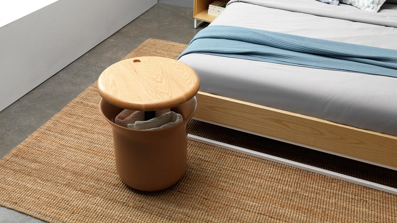 睡衣、盖毯、披肩统统丢进去,承担起床尾收纳置物的需要,给卧室空间带来更便利有效的使用体会。
