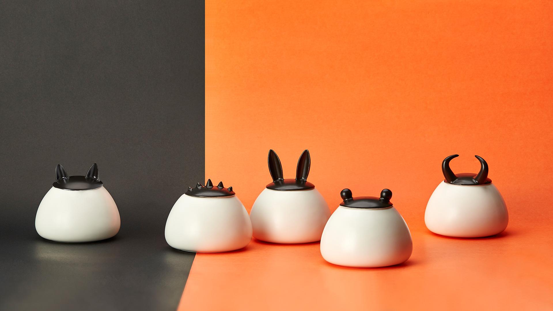 撞色对比,让眼前一亮的精致储物罐,餐桌或者厨房,都能立即活泼起来。