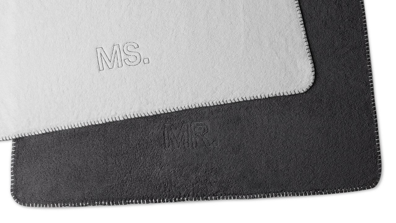 Couple毛巾组通过欧洲Oeko-Tex标准认证,经由分布在世界范围内的十五个国家的知名纺织检定机构(都隶属于国际环保纺织协会)的测试和认证,确保不含任何对身体有害的物质,健康环保。