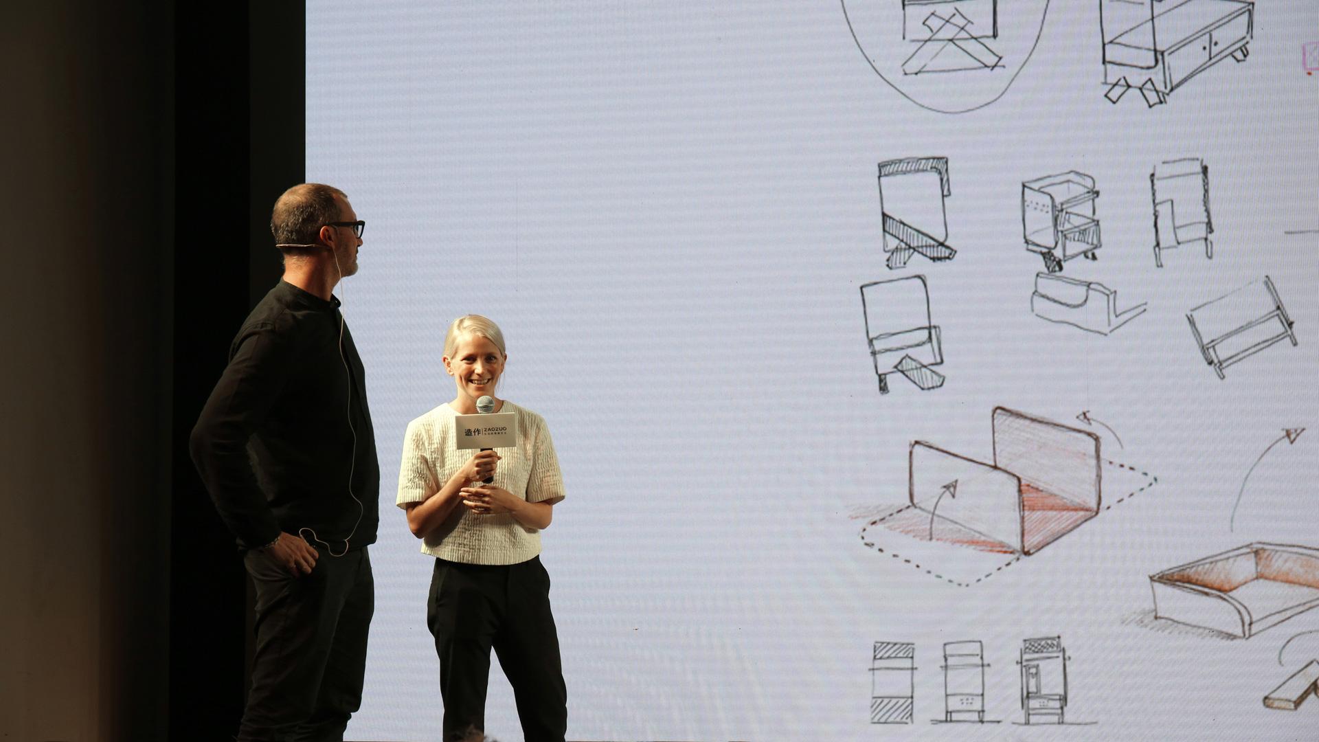 """Note Design Studio:""""我们想把这款设计做成一个所有人都能摆在家里的作品,它性格很强,所以我们把它做得更低调些,这样无论是客厅还是洗手间,都可能用到它,两侧做有透视网格,上层可以放些自己的收藏品。"""""""