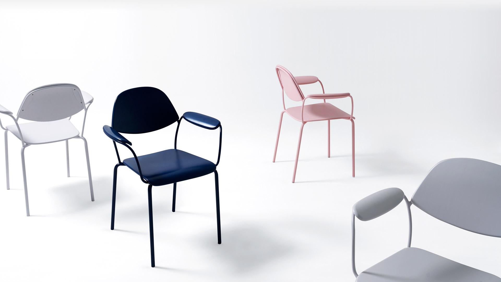 米白、青粉、海蓝,从不同种类的百合中提取最适宜家居环境的三色,理性与感性的完美融合,让餐椅、工作椅、单人休闲椅、会议椅……绽放各自的百合生命。
