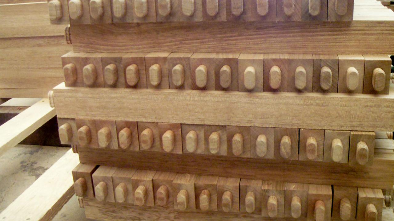 """8点椅的榫卯加工工艺,这一流程叫""""开公榫"""""""