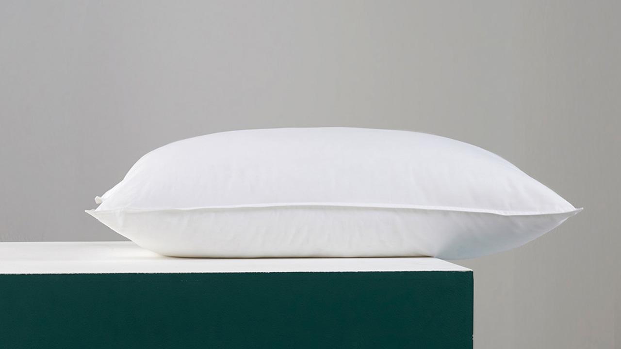 """不同克重填充的高枕、中高枕和低枕,均能与5个系列的""""有眠""""枕套完美搭配。"""