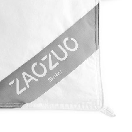 3mm本布滚边和双排白色棉线精致包边,达到美观和防止跑绒的双重目的