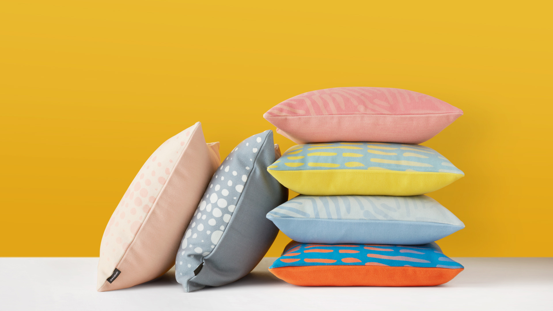 珊瑚抱枕系列 | Coral Cushion