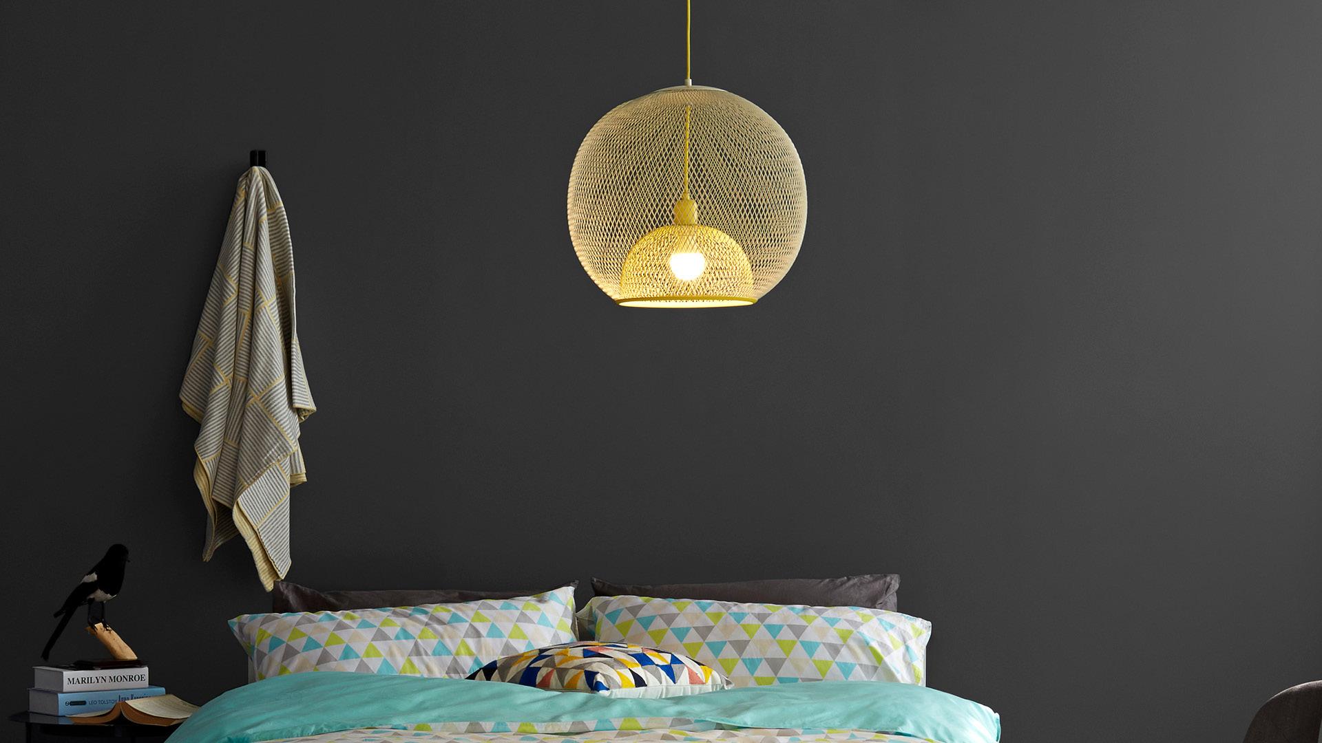 臥室吊燈的清朗柔潤