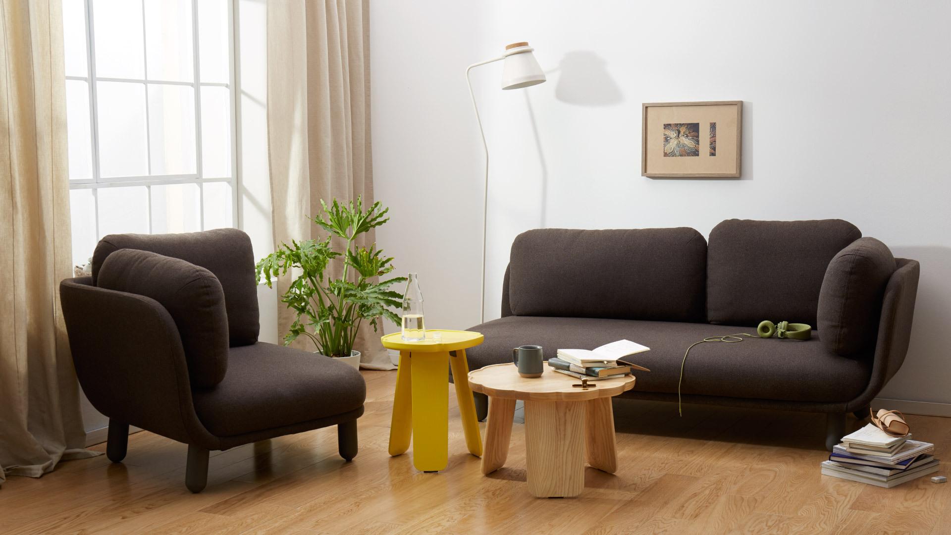 曲线围合,让客厅惬意更舒适