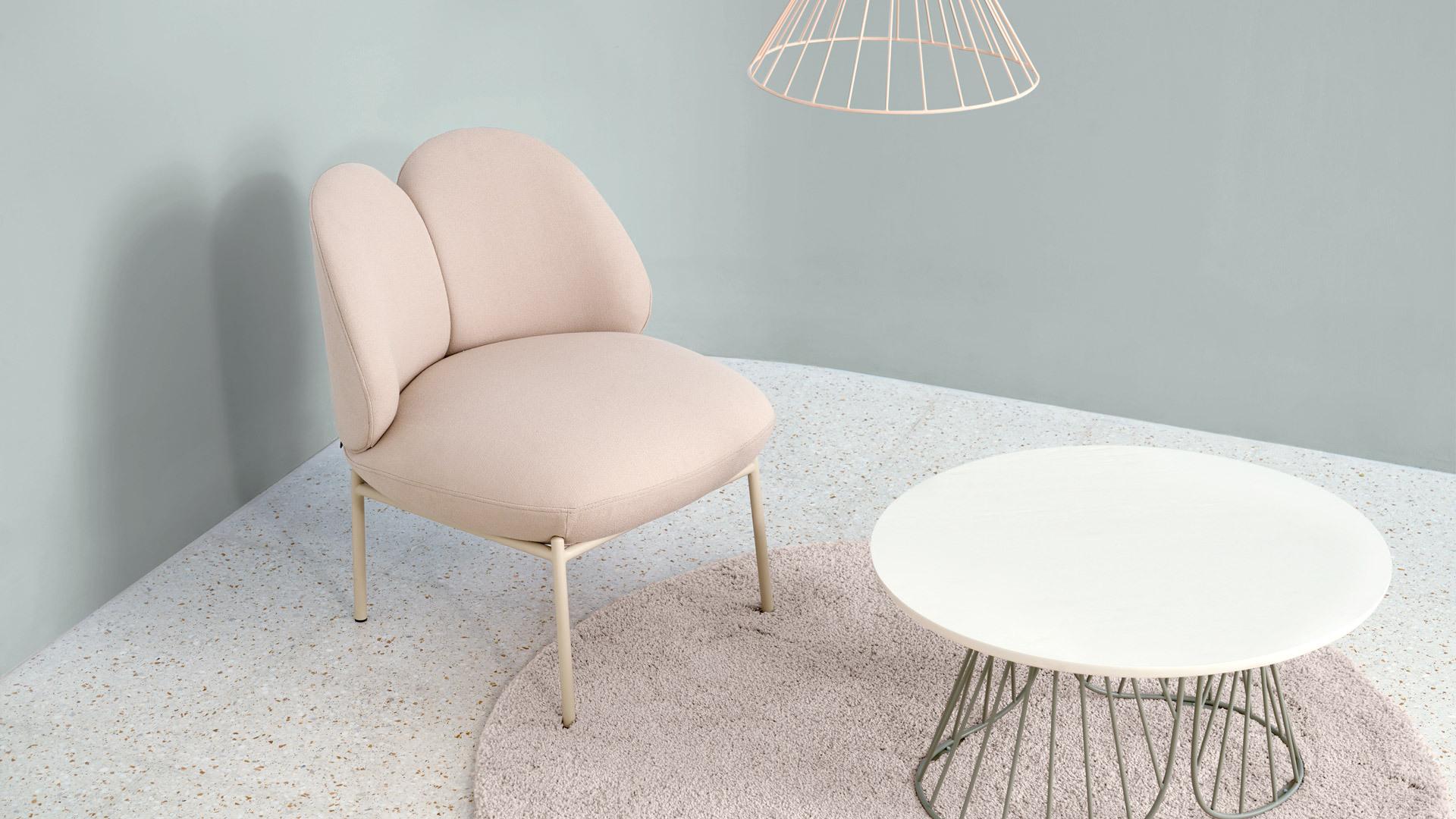 温暖羊毛粉呢,优雅时装的家具演绎