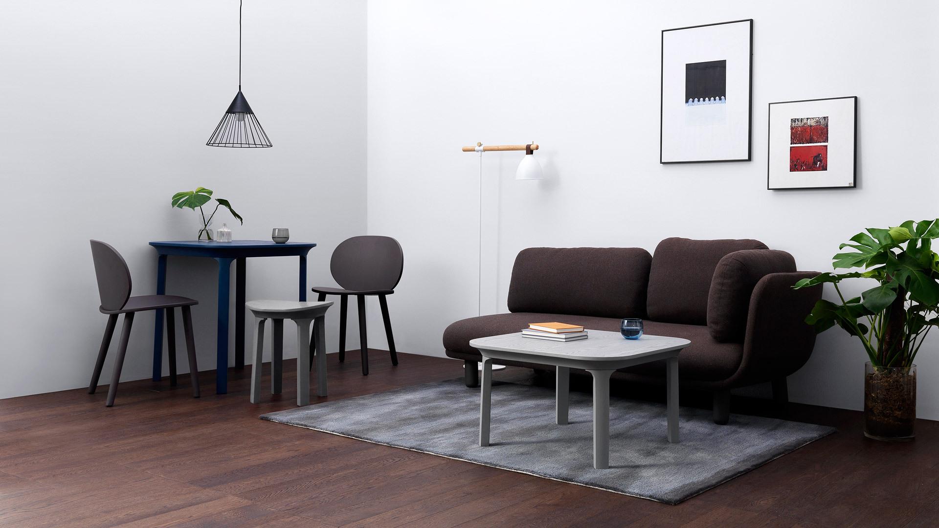 瓦檐系列定下轻盈基调,搭配一系流畅曲线形物件,为房间注入温暖质感,围绕紧凑现代的空间格局,铺满悠闲惬意。