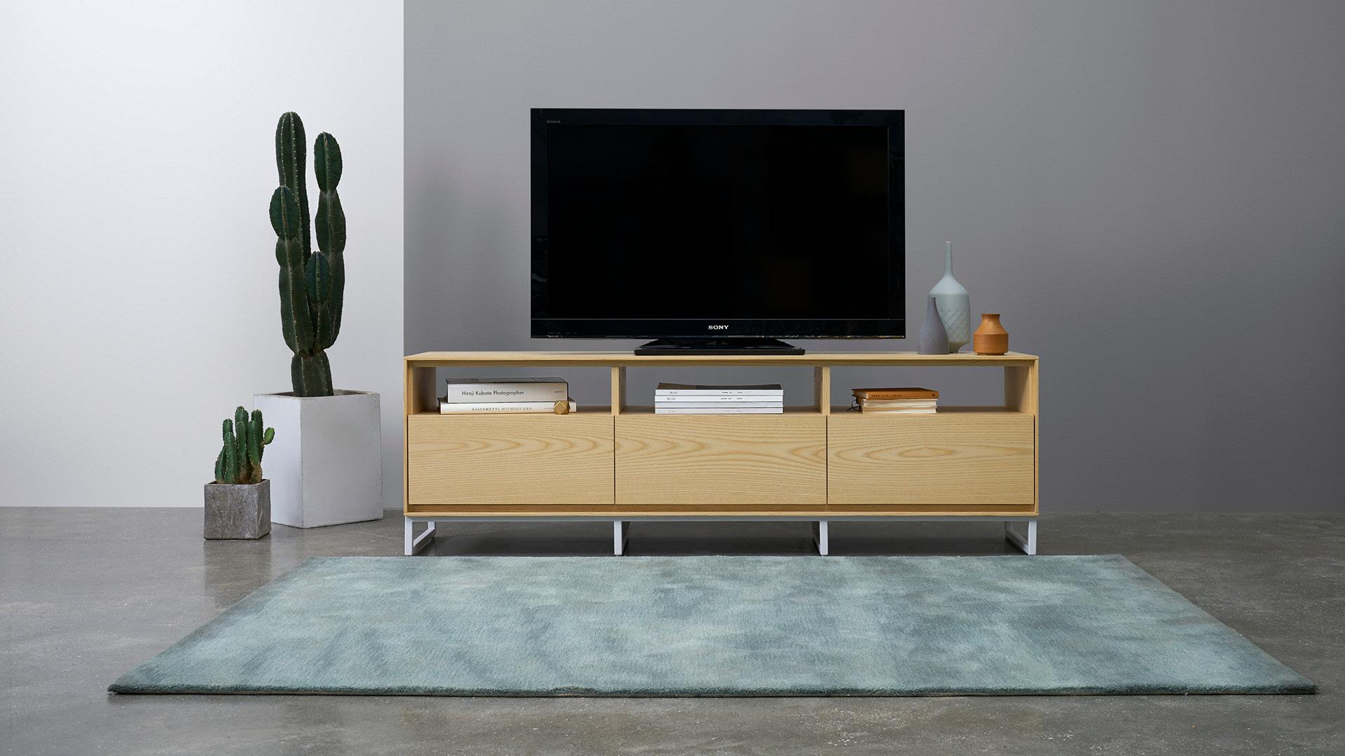 木本色,衬在客厅里的温暖格调