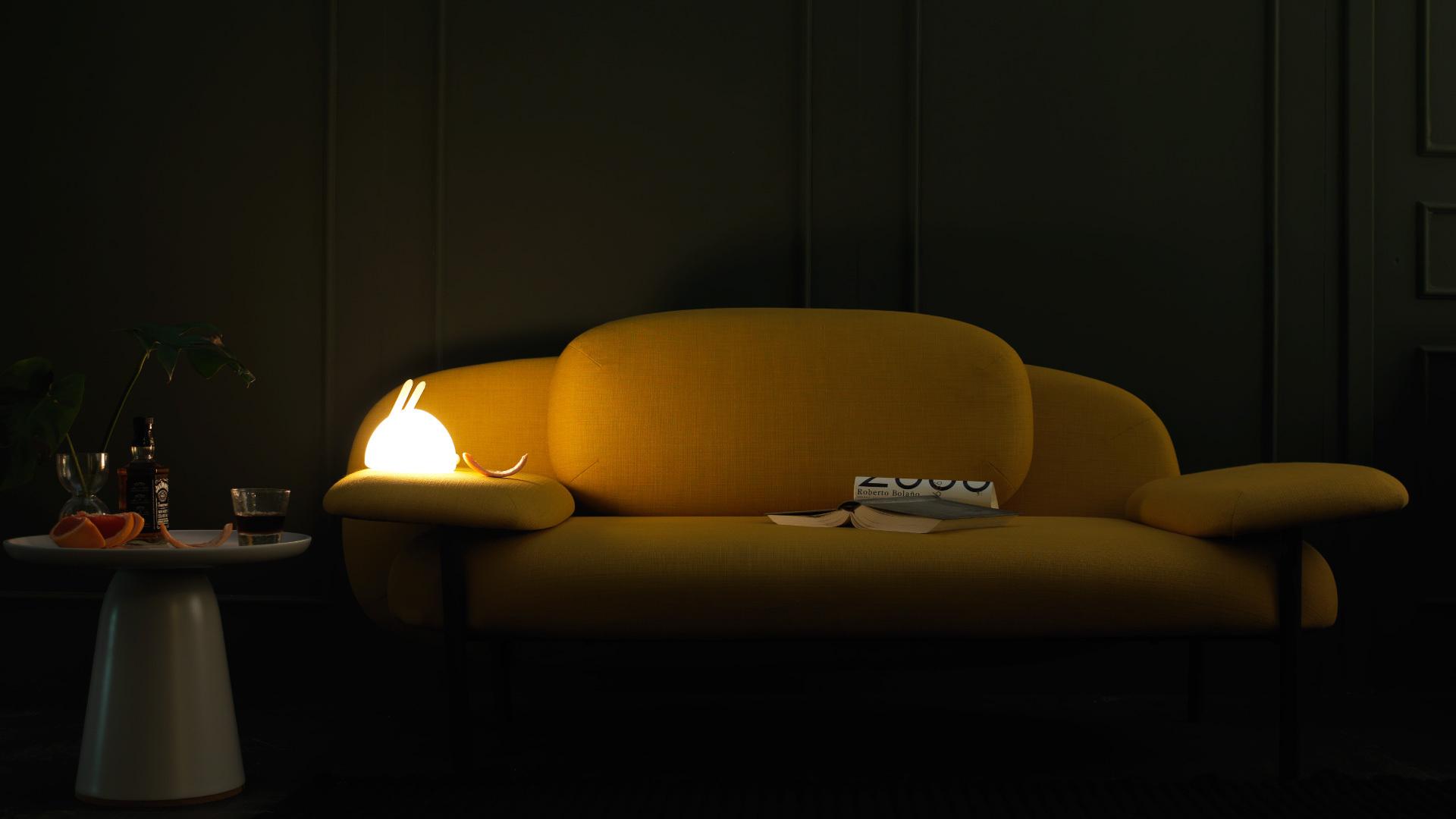 客厅关灯后,一盏暖光的安全感