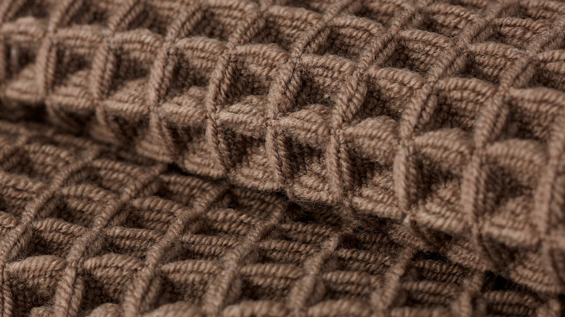 三维立体梭织<br/>蓬松感凹凸可触,结实耐久