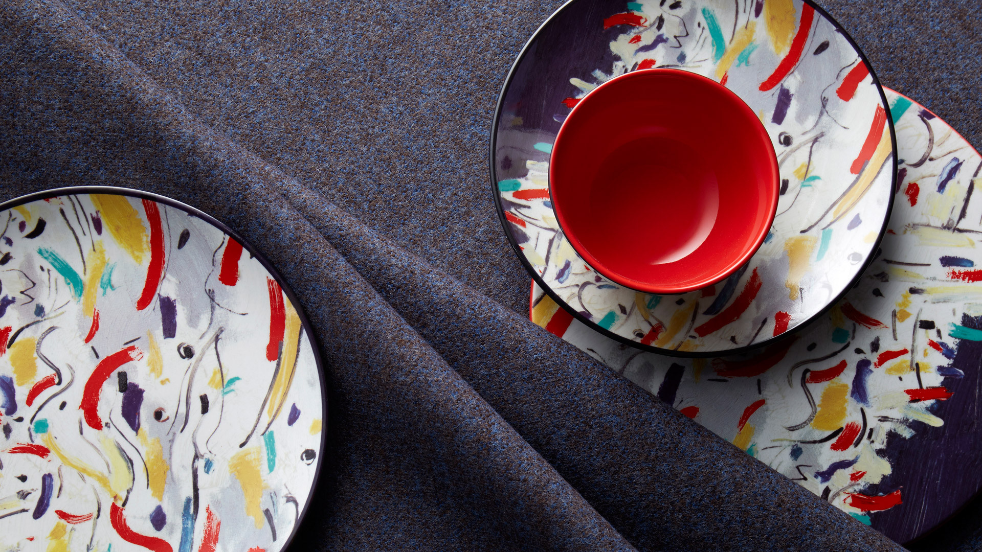 1300℃高温烤制强化瓷烧制,考究的现代陶瓷工艺把隽永意境揉入生活。