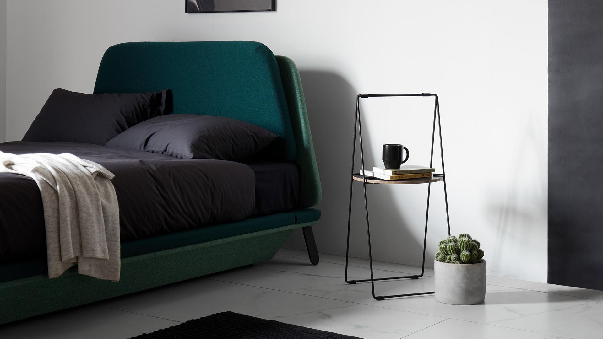 替代厚重床头柜,让卧室通透呼吸