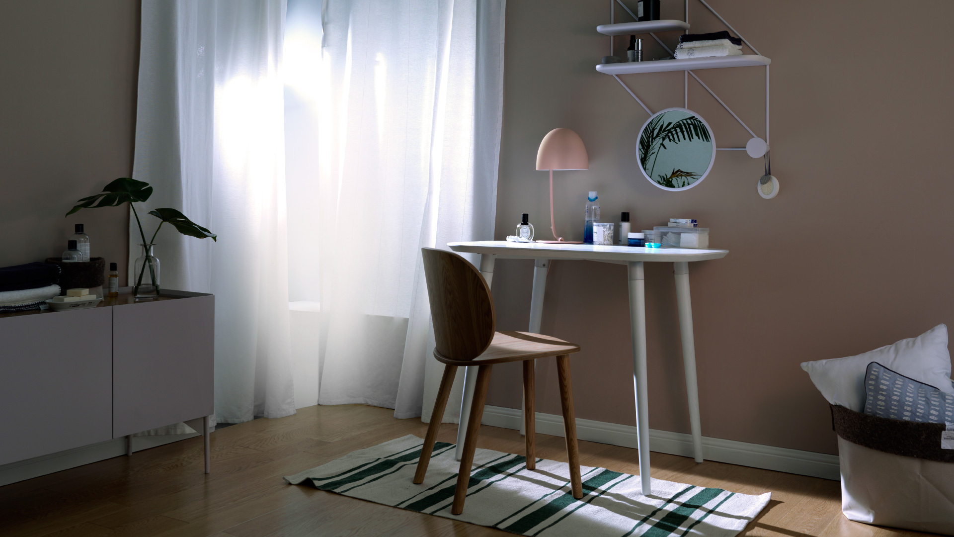 节省空间的精致单人桌