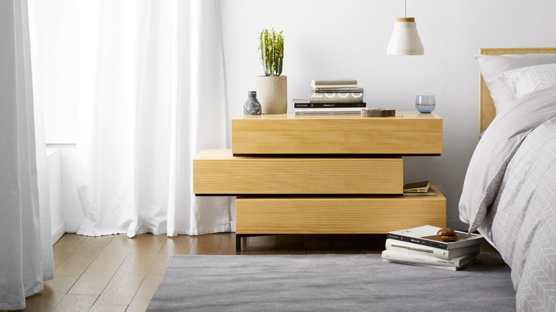 木质挺拔床头柜,卧室立体格调