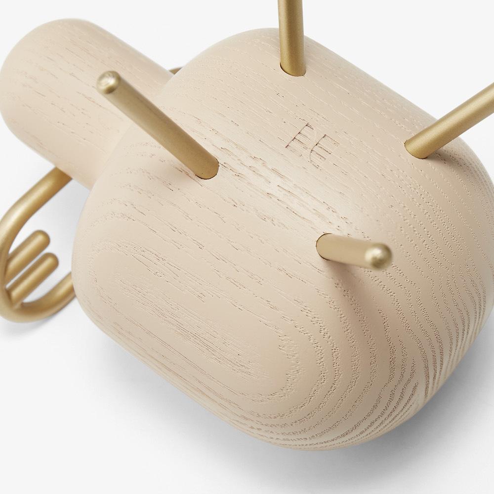 激光雕刻logo<br/>CNC精准开孔