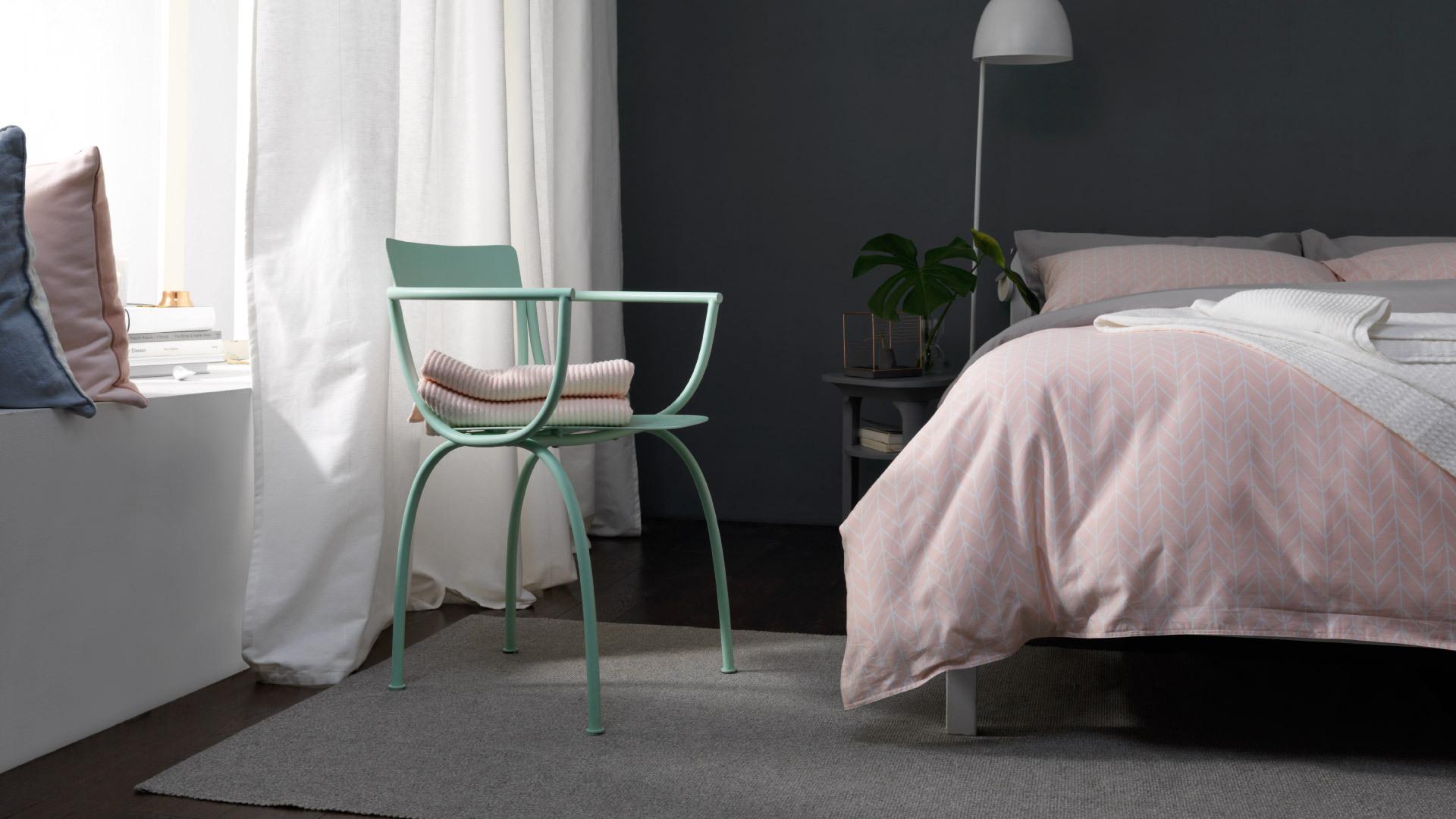 加一把椅,令卧室更轻盈