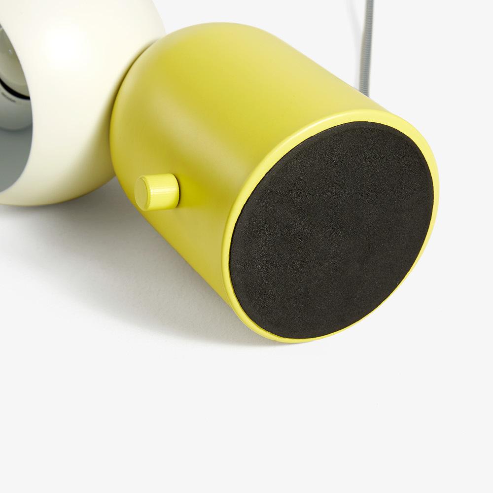 2mm厚EVA防滑垫<br/>更好地保护桌面