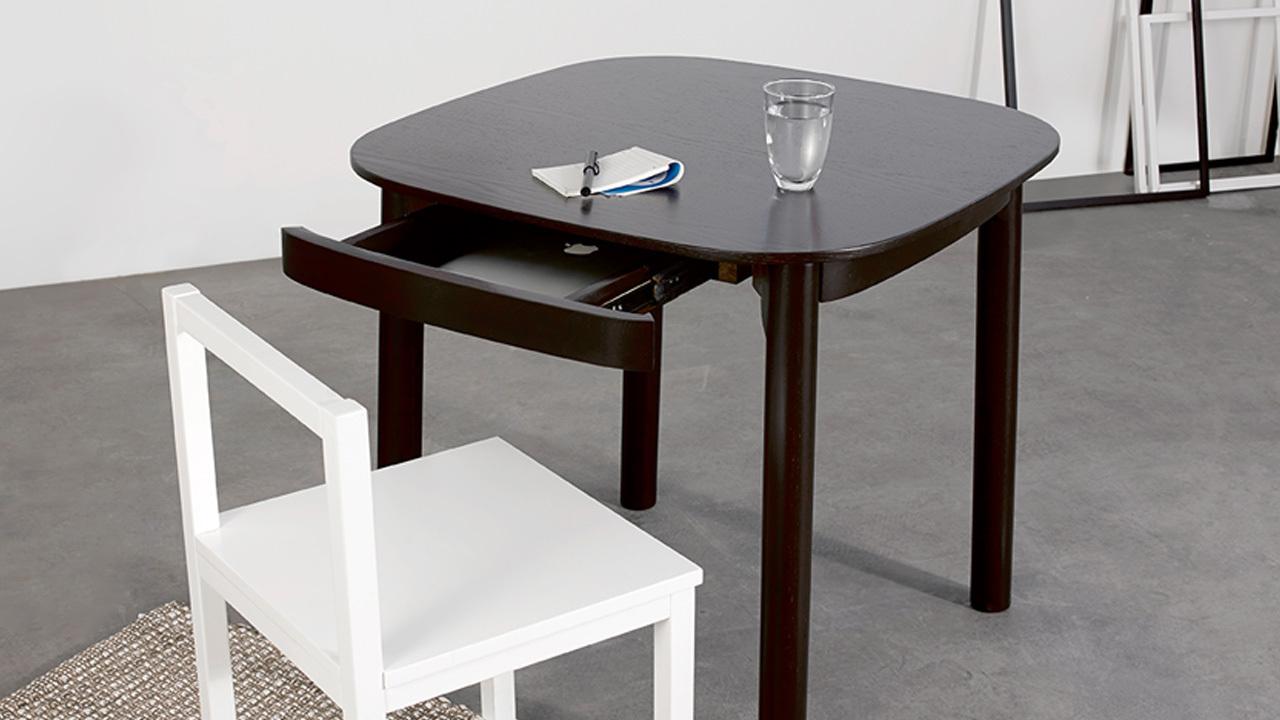 瓦雀方桌,一款可以在细节处表达主人品质要求的方桌。