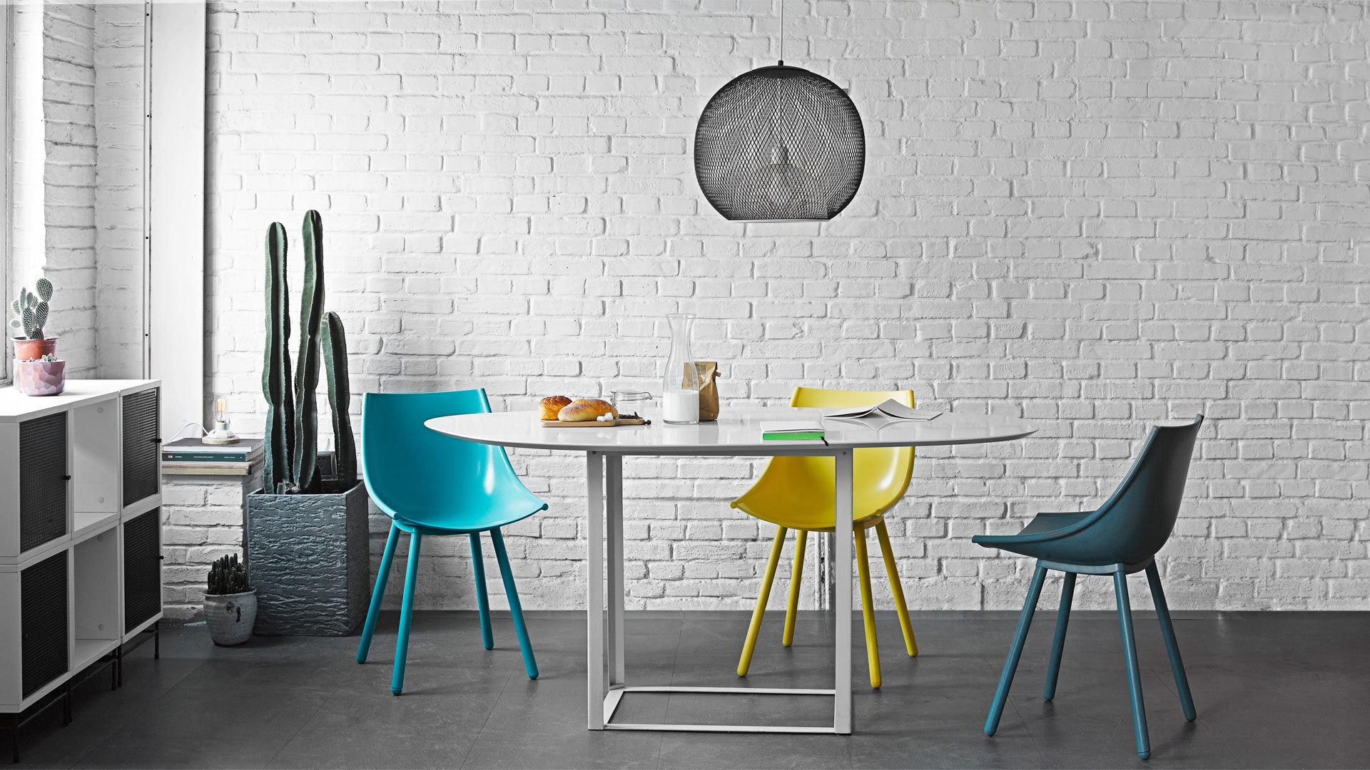 打破局限,透亮不死板的质感餐椅