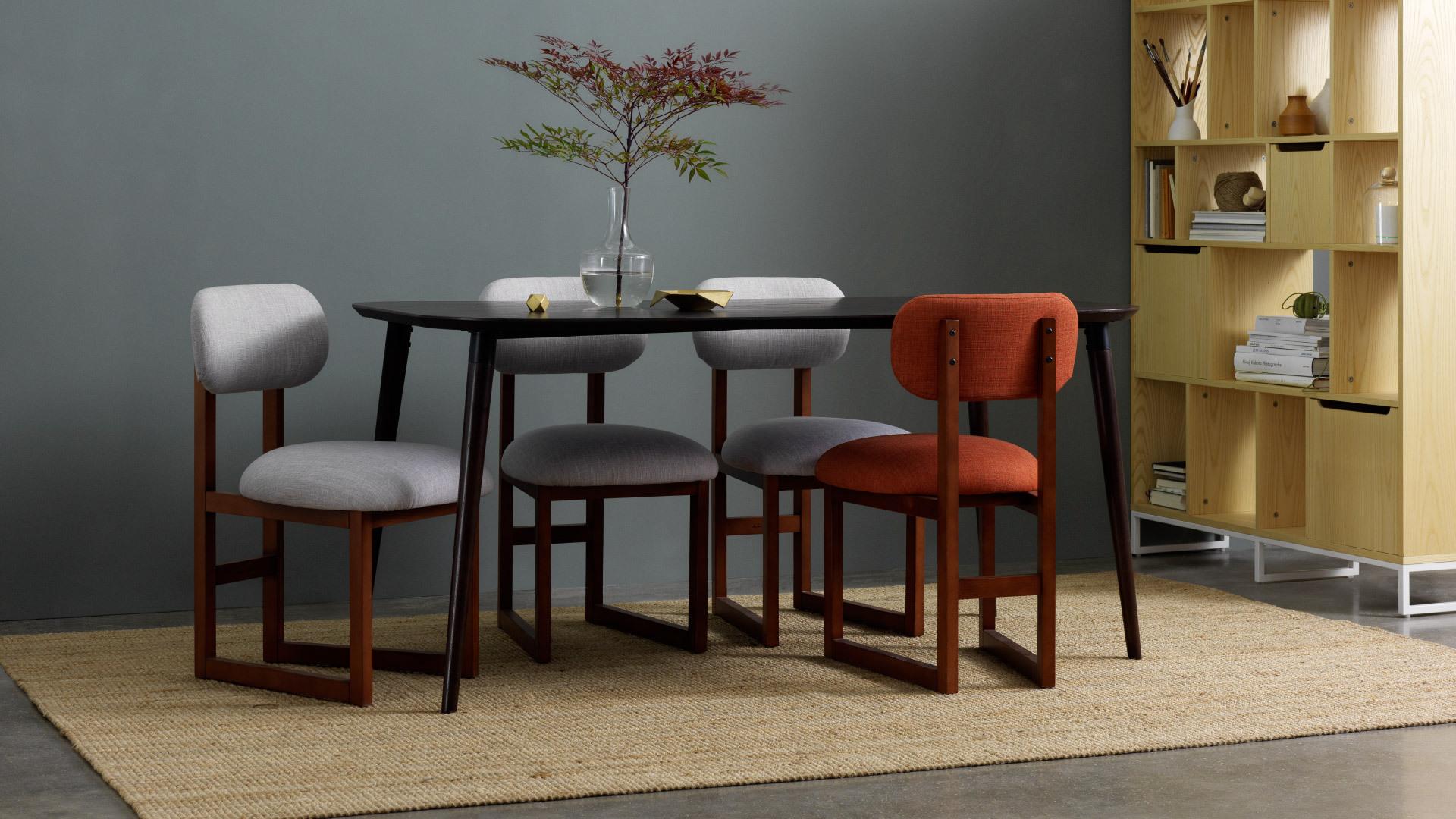 画板长桌+8点椅,恬淡色彩相融