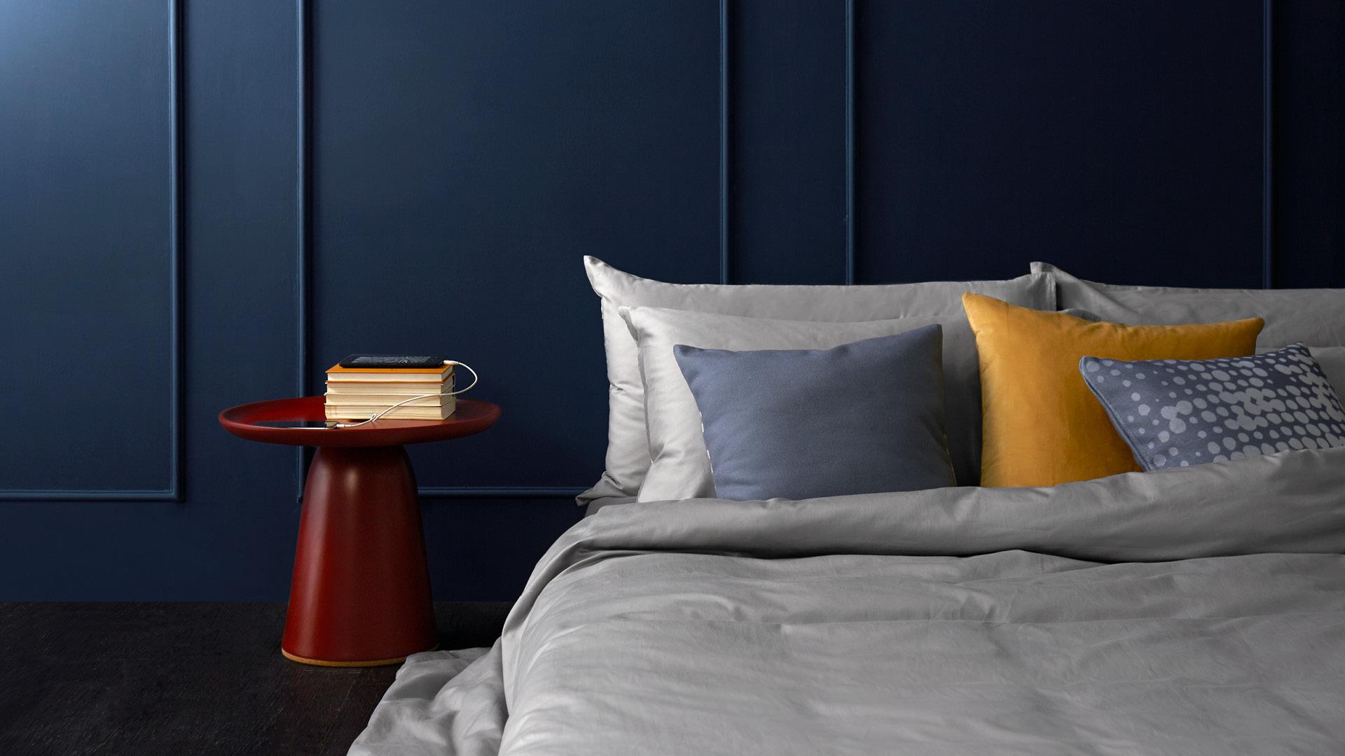 取代笨重床头柜,为卧室优雅减负