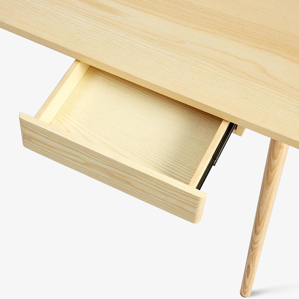 实木质感储物抽屉<br/>轻柔顺滑开合体验