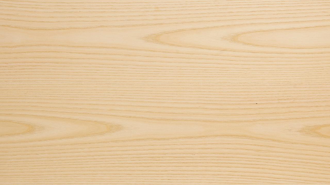 优选E1级MDF为架体基材,获得比实木更平整细密的纹理、更稳定牢固的性能,表层里外均以北美进口 A 级白蜡木木皮360°无死角包覆,辅以全开放哑光漆面,不错过每一个边角细节,带来不易开裂变形、坚固耐用,超越实木的使用体验。
