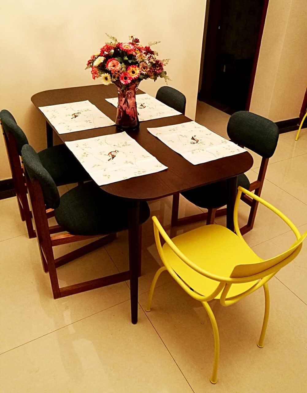 王珏对画板餐桌®-长桌 1.6米发布的晒单效果图及评价