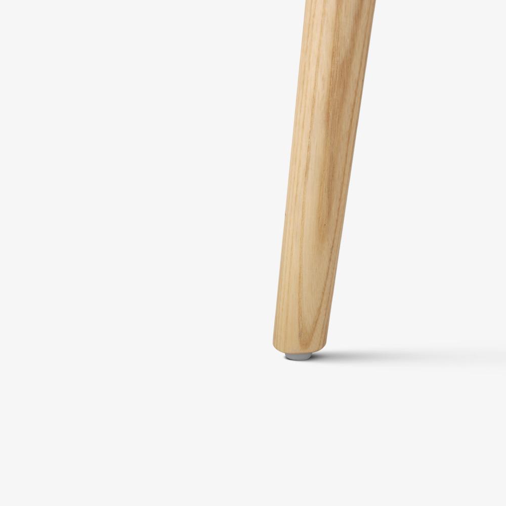 白蜡木实木木腿<br/>可调节脚平稳安坐