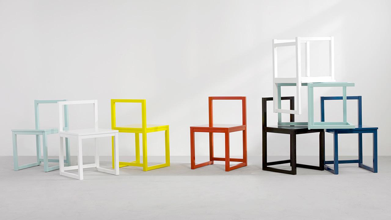 ▲ 参与展览的作业本椅系列